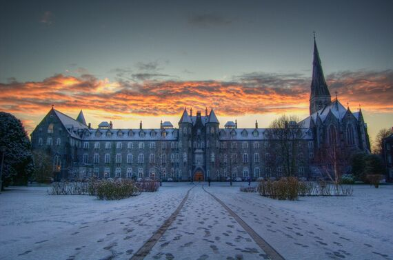 Snowy Sunset St Josephs Square